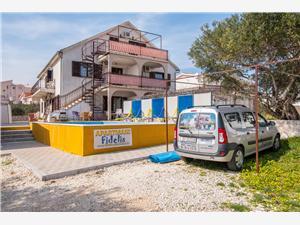Kwatery z basenem Fidelis Okrug Gornji (Ciovo),Rezerwuj Kwatery z basenem Fidelis Od 249 zl