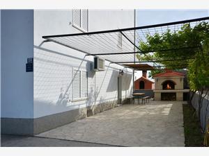 Apartament Jelić Podstrana, Powierzchnia 70,00 m2, Odległość do morze mierzona drogą powietrzną wynosi 250 m, Odległość od centrum miasta, przez powietrze jest mierzona 500 m