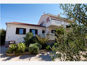 Apartament Nikolina Punat - wyspa Krk, Powierzchnia 65,00 m2, Odległość do morze mierzona drogą powietrzną wynosi 30 m, Odległość od centrum miasta, przez powietrze jest mierzona 500 m