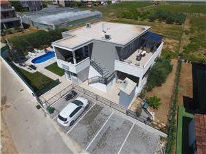 Apartman Initium Trogir, Kvadratura 110,00 m2, Smještaj s bazenom