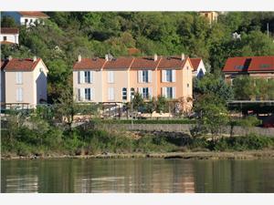 Apartmán Hrastov Soline - ostrov Krk, Prostor 110,00 m2, Vzdušní vzdálenost od moře 20 m