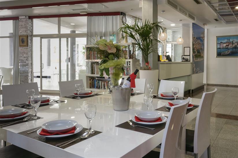 Ferienwohnung und Zimmer Villa Niko