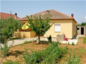 Vakantie huizen Zadar Riviera,Reserveren NIKOLINA Vanaf 117 €