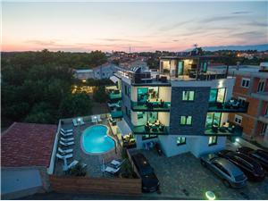 Appartementen Maloca , Kwadratuur 75,00 m2, Accommodatie met zwembad, Lucht afstand tot de zee 30 m