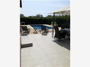 Objekt Klaudio Rovinj, Kvadratura 65,00 m2, Smještaj s bazenom