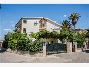 Apartmány Pelivan Kastel Kambelovac, Prostor 30,00 m2, Vzdušní vzdálenost od moře 20 m, Vzdušní vzdálenost od centra místa 500 m