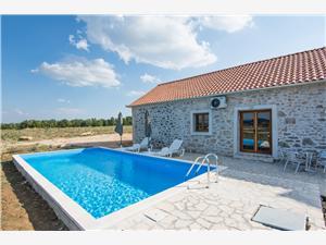 Huis Mirta 4 Biograd, Kwadratuur 100,00 m2, Accommodatie met zwembad