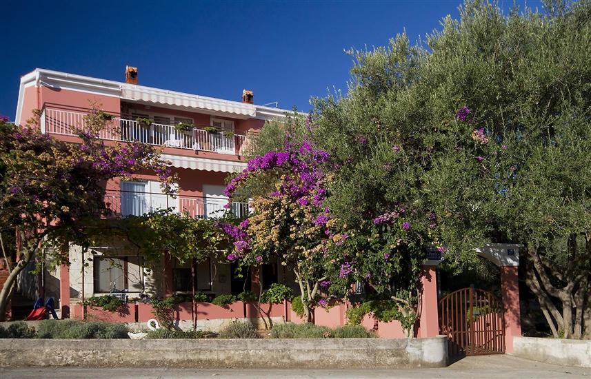 Apartments Budi
