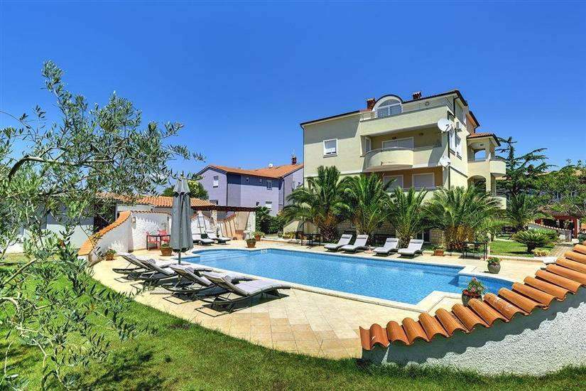Ferienwohnungen Villa Delia