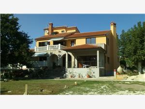 Apartmány Casa Lili Medulin, Prostor 30,00 m2, Vzdušní vzdálenost od centra místa 490 m