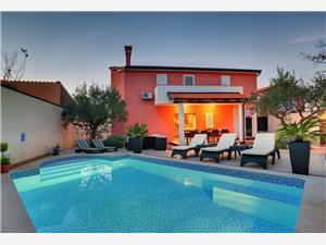 Vila Villa Bubi Rovinj, Prostor 112,00 m2, Soukromé ubytování s bazénem