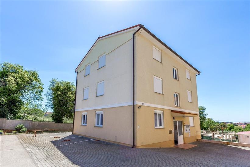 Appartement House Battis