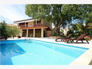 ZEI 347 Krnica (Pula), Kwadratuur 120,00 m2, Accommodatie met zwembad, Lucht afstand naar het centrum 500 m