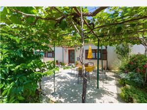 Дома для отдыха голубые Истрия,Резервирай Orieta От 87 €