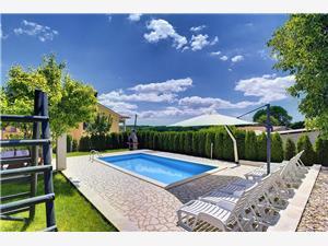Villa Semy Pazin, Kvadratura 112,00 m2, Smještaj s bazenom