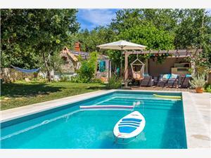 Casa Tunana Medulin, квадратура 85,00 m2, размещение с бассейном, Воздух расстояние до центра города 800 m