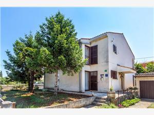 Prázdninové domy Ermanna Stinjan (Pula),Rezervuj Prázdninové domy Ermanna Od 2461 kč