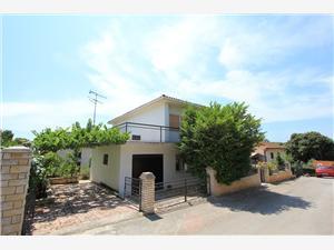 Дома для отдыха голубые Истрия,Резервирай 393 От 269 €