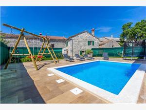 Casa Bibići Svetvincenat, квадратура 68,00 m2, размещение с бассейном