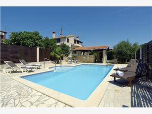 Golf House Liznjan, квадратура 200,00 m2, размещение с бассейном, Воздух расстояние до центра города 500 m