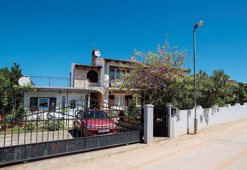 House Nenad