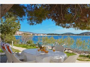 Accommodatie aan zee Sibenik Riviera,Reserveren Nina Vanaf 142 €