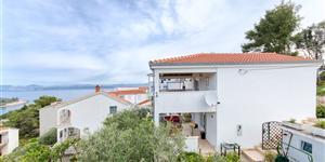 Апартаменты - Stomorska - ostrov Solta