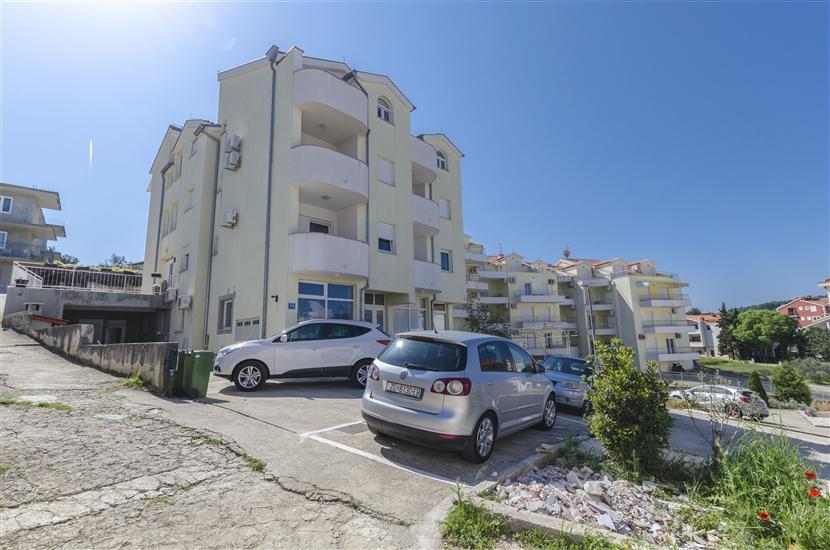 Apartment Anika