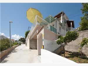 Апартамент Jaga Splitska - ostrov Brac, квадратура 60,00 m2, Воздуха удалённость от моря 150 m, Воздух расстояние до центра города 150 m