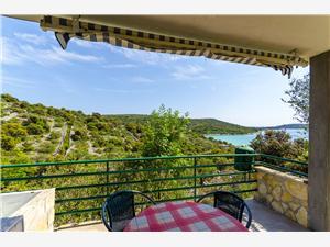 Huis Small Robinson Kroatië, Afgelegen huis, Kwadratuur 36,00 m2, Lucht afstand tot de zee 120 m
