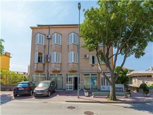 Appartamenti LOVOR Novi Vinodolski (Crikvenica),Prenoti Appartamenti LOVOR Da 78 €
