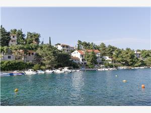 Kwatery nad morzem Wyspy Dalmacji środkowej,Rezerwuj Ivo Od 514 zl