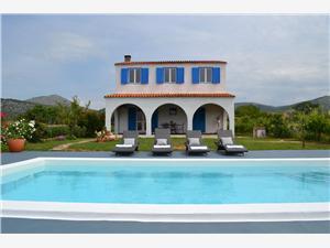 Kwatery z basenem Split i Riwiera Trogir,Rezerwuj Basilena Od 732 zl