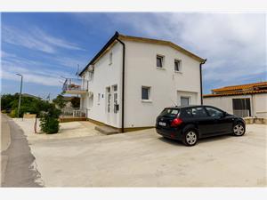 Appartementen Mirko i Anda Okrug Donji (Ciovo), Kwadratuur 35,00 m2, Lucht afstand tot de zee 200 m, Lucht afstand naar het centrum 500 m