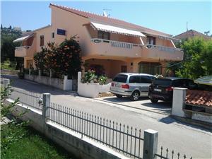 Appartementen Ivanka Poljica, Kwadratuur 45,00 m2, Lucht afstand tot de zee 100 m