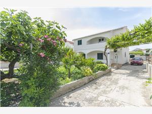 Apartmán Ervin Chorvátsko, Rozloha 50,00 m2, Vzdušná vzdialenosť od mora 85 m, Vzdušná vzdialenosť od centra miesta 200 m