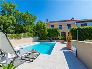 Hébergement avec piscine LARA Jadranovo (Crikvenica),Réservez Hébergement avec piscine LARA De 147 €