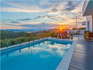 Vakantie huizen De Crikvenica Riviera en Rijeka,Reserveren ENY Vanaf 312 €