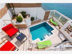 Vila Laurina Chorvatsko, Prostor 50,00 m2, Soukromé ubytování s bazénem, Vzdušní vzdálenost od moře 5 m