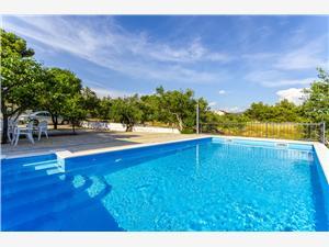 Lägenheter Ugrina Rogoznica, Storlek 35,00 m2, Privat boende med pool, Luftavstånd till havet 150 m