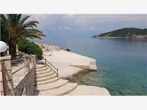 Huis Fani Zastrazisce - eiland Hvar, Kwadratuur 142,00 m2, Lucht afstand tot de zee 100 m