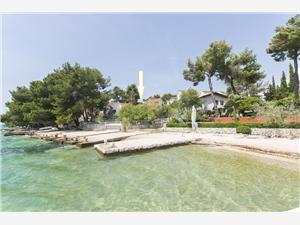 Appartement In the shadow Zaboric (Sibenik), Kwadratuur 50,00 m2, Lucht afstand tot de zee 50 m