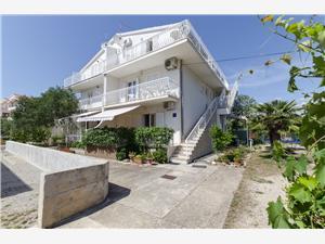 Апартаменты DANA Srima (Vodice), квадратура 33,00 m2, Воздуха удалённость от моря 200 m, Воздух расстояние до центра города 500 m