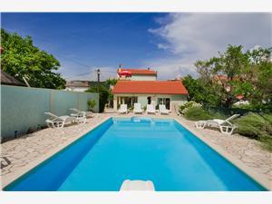 Appartamenti Jasna Supetarska Draga - isola di Rab, Dimensioni 90,00 m2, Alloggi con piscina, Distanza aerea dal mare 200 m