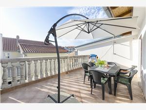 Apartment Marija Vodice, Size 32.00 m2, Airline distance to town centre 200 m