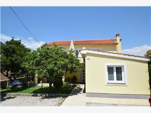 Apartmani Nikolic Omišalj - otok Krk, Kvadratura 30,00 m2, Zračna udaljenost od mora 100 m