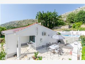 Huis Roza Podstrana, Kwadratuur 54,00 m2, Accommodatie met zwembad