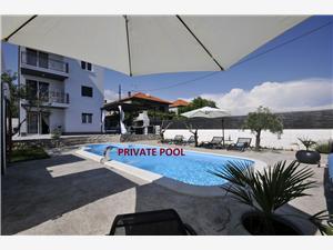 Apartman Porto Seget Donji, Kvadratura 86,00 m2, Smještaj s bazenom