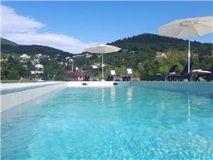 Pokoj Stancija Matulji, Prostor 20,00 m2, Soukromé ubytování s bazénem, Vzdušní vzdálenost od centra místa 700 m
