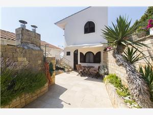 Апартаменты Danica Murter - ostrov Murter, квадратура 30,00 m2, Воздуха удалённость от моря 15 m